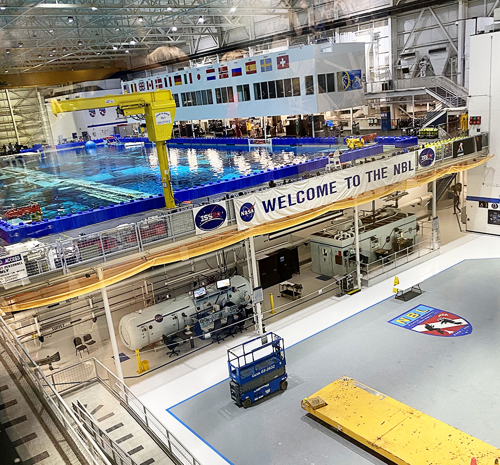 Houston Space Center in Texas - Neutral Buoyancy Laboratory Tour